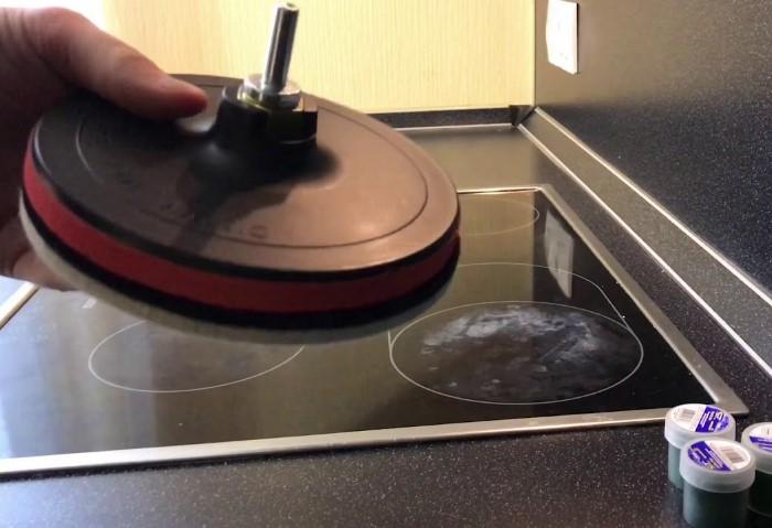 Шлифовальную машинку с войлочным кругом лучше оставить на крайний случай / Фото: i.ytimg.com