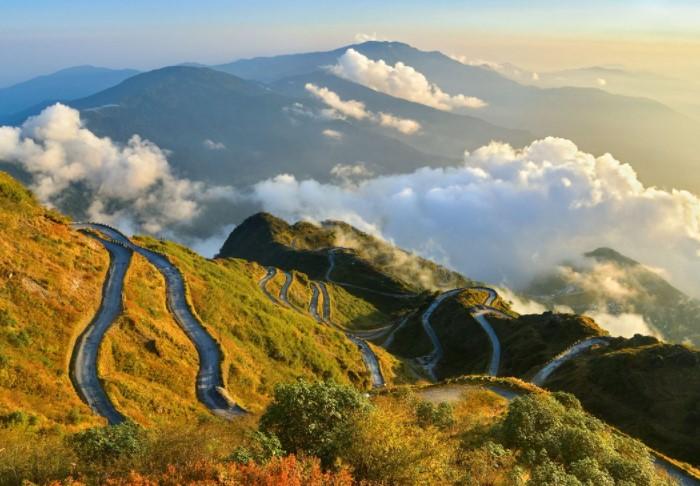 Сикким располагается на северо-востоке Индии, в Гималаях, и когда-то через него проходил знаменитый Шелковый путь / Фото: pbs.twimg.com