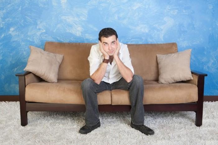 Чаще всего скрип возникает у раскладывающихся диванов, так как они быстрее изнашиваются / Фото: mblx.ru