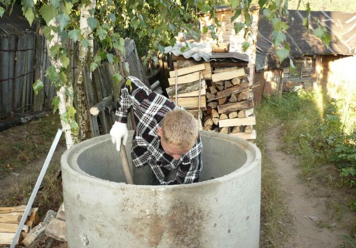 Для расчета глубины и диаметра учитывается тип конструкции, материал изготовления и количество жильцов в доме / Фото: canalizator-pro.ru