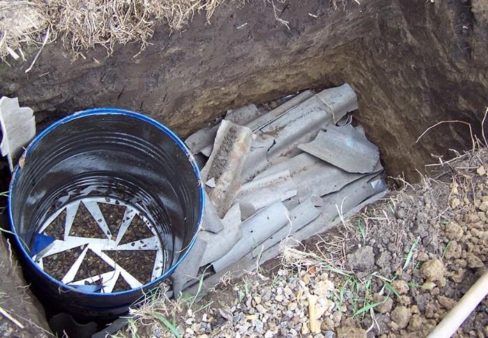 Оптимальные материалы для сливного резервуара: пластик, бетон, нержавеющая сталь и резина / Фото: a.d-cd.net