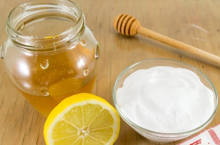 Если в рецепте есть мед, он самостоятельно загасит соду / Фото: static.fanpage.it