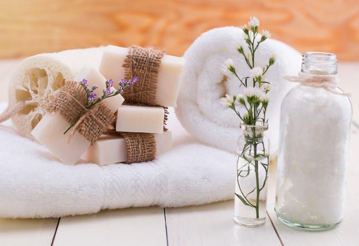 Добавляйте соль во время стирки белых полотенец / Фото: img4.goodfon.ru