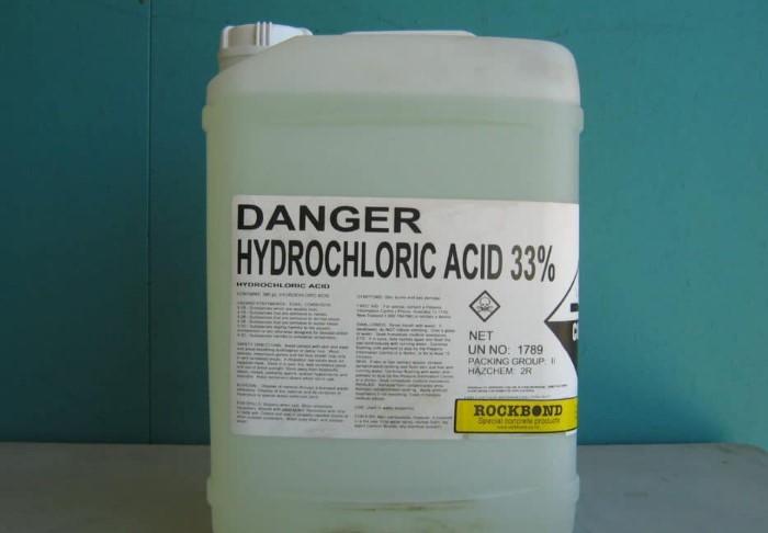 Применяйте соляную кислоту лишь в крайних случаях, поскольку она очень токсична / Фото: severdv.ru
