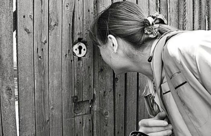 Интересуйтесь своей жизнью, а не следите за чужой / Фото: nastroy.net