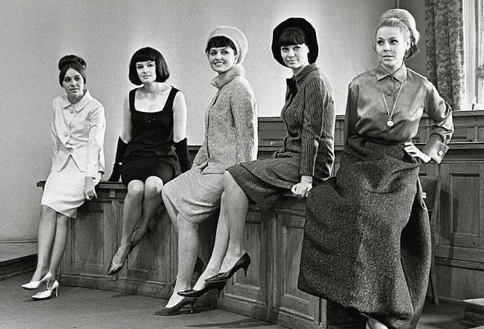 В Советском Союзе первые изделия из нейлона появились только в 50-х и сразу же стали популярными среди модниц / Фото: fullpicture.ru