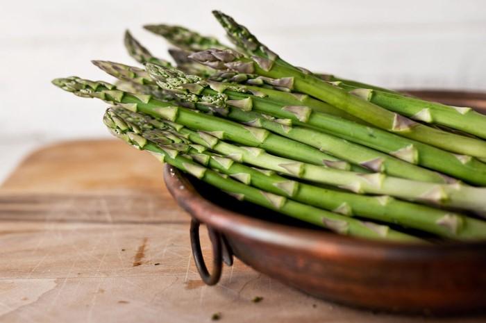 Зелень богата витамином А, калием, кальцием и фосфором / Фото: images11.domashnyochag.ru