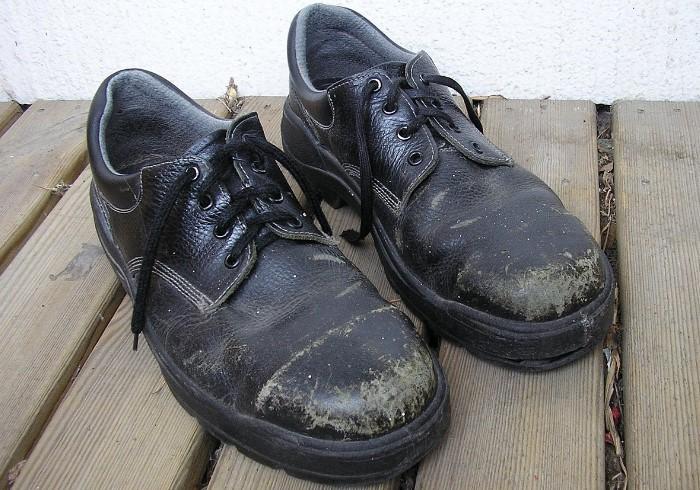 Изношенная и неопрятная обувь моментально портит образ / Фото: upload.wikimedia.org