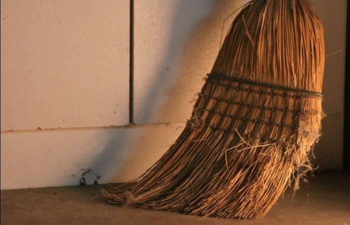 Старые и грязные средства для уборки привлекают негативную энергетику / Фото: rpabdagestan.ru