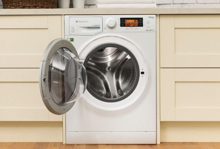 После каждой стирки оставляйте дверку открытой, чтобы высушить машинку / Фото: severdv.ru