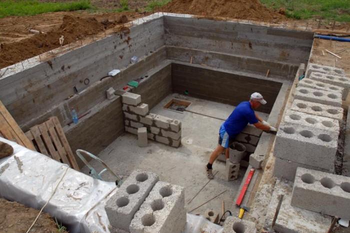 Дизайнеры предупреждают: строительство подвального этажа стоит в два раза дороже, чем наземная конструкция / Фото: radikal.ru