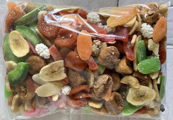 Покупая сухофрукты в магазине, обращайте внимание на количество сахара в составе / Фото: images.ua.prom.st