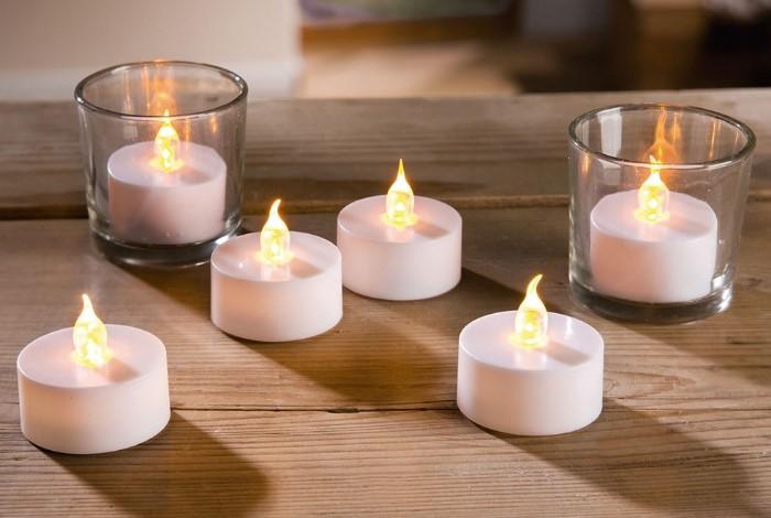 Светодиодные свечи помогут создать романтическую атмосферу / Фото: cdn1.ozone.ru
