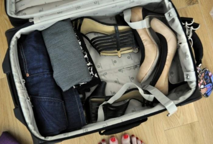 Свободное место в чемодане можно заполнить запасными носками / Фото: severdv.ru