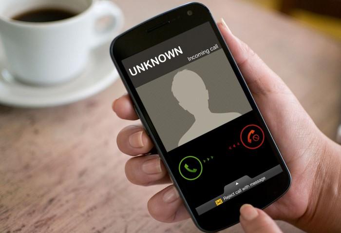 Отвечайте на звонок спустя несколько секунд и не сбрасывайте вызов / Фото: digitark.ee