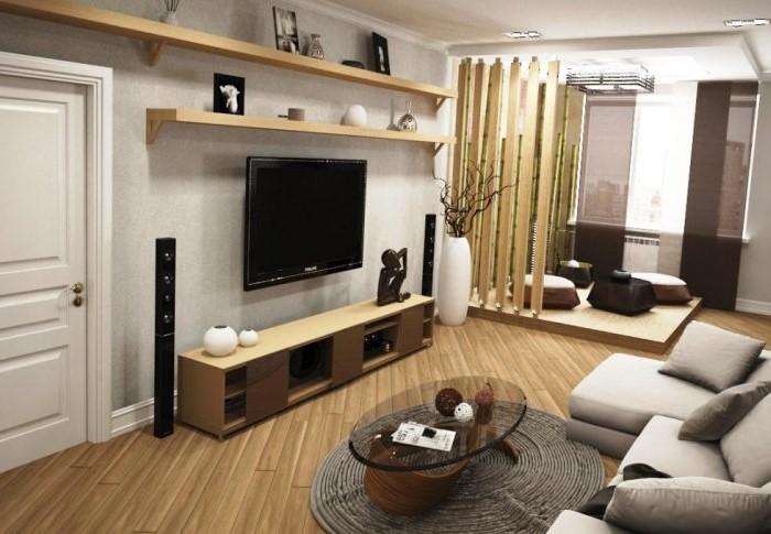 Огромный телевизор на всю стену в ограниченном пространстве выглядит карикатурно / Фото: dizajninterera.org
