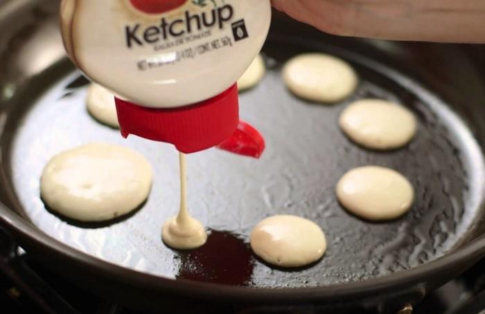 Тара может напитаться запахом кетчупа и передать аромат тесту/ Фото: abzac.cc