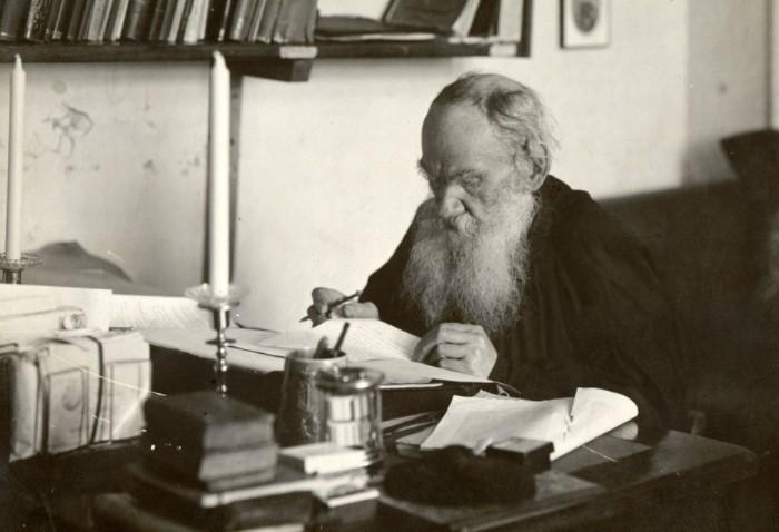 Лев Толстой был ярым вегетарианцем / Фото: s00.yaplakal.com