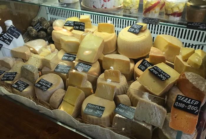 Формула минимальной цены сыра = 1 л молока умножить на 10 / Фото: pbs.twimg.com