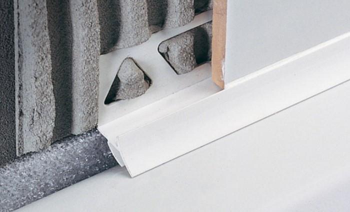 Уголок нужно устанавливать во время ремонта / Фото: design-homes.ru