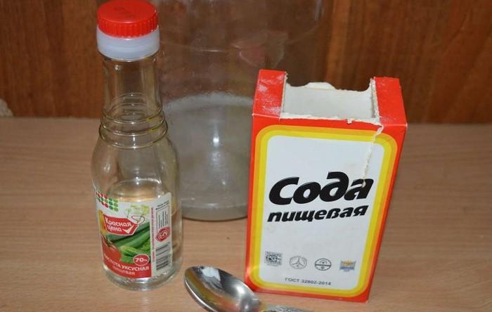 Комбинация уксуса и соды - тяжелая артиллерия для жировых загрязнений / Фото: prouksus.ru