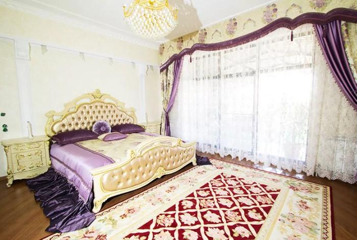Пример популярного раньше стиля «дорого-богато» / Фото: homius.ru