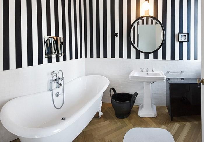 Хитрость отлично смотрится в узких комнатах вроде ванной, прихожей или коридора / Фото: arredamento.it