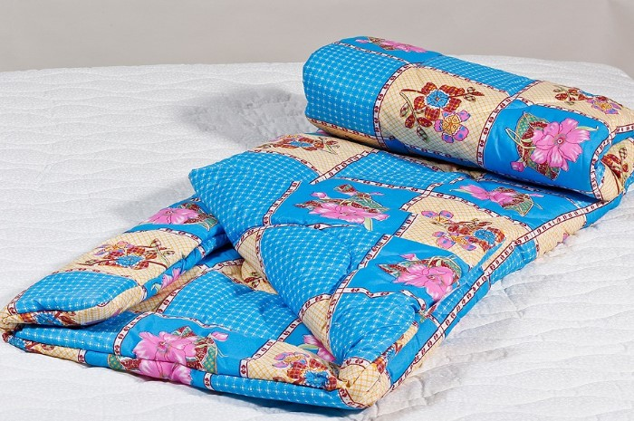 Мочить ватное одеяло крайне нежелательно / Фото: vsetkani.com