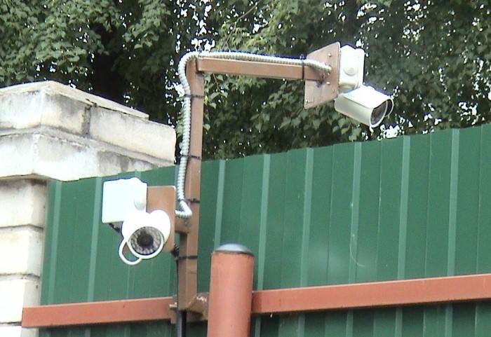 Единственный вариант охраны - установка видеонаблюдения по всему периметру участка / Фото: remontnik.ru