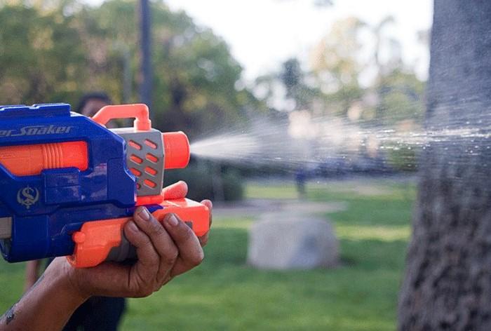 Запрет действует еще с 2002 года, включая не только использование, но еще ввоз и продажу игрушек / Фото: i.pinimg.com