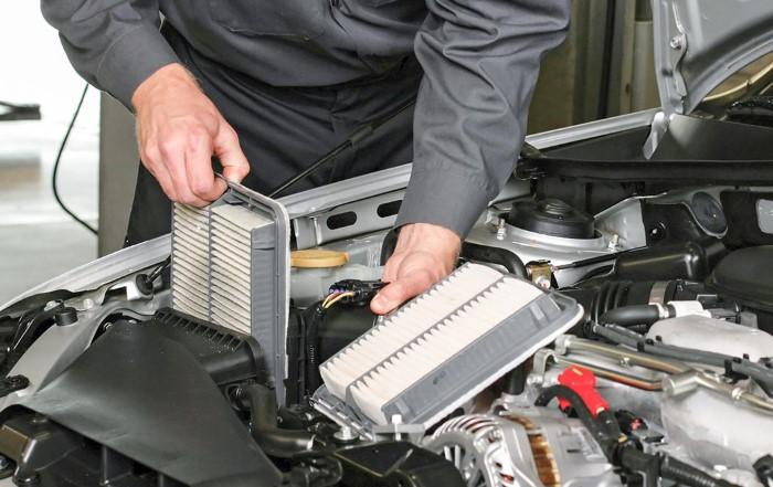 Регулярно проверяйте состояние воздушных фильтров, чтобы машина не потребляла больше бензина / Фото: goverla.biz.ua
