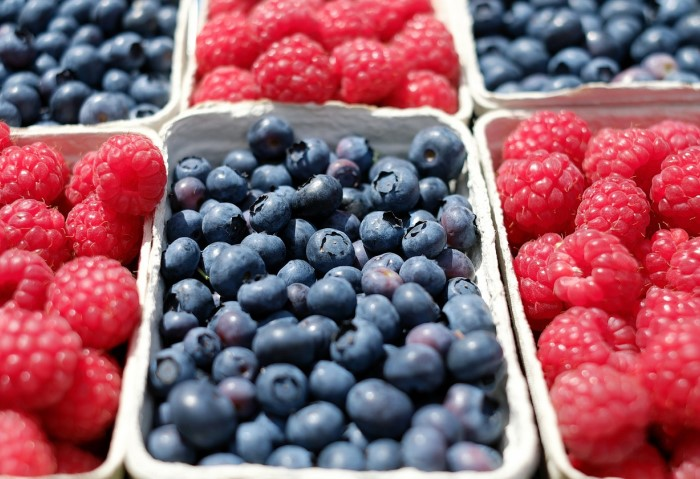 Используйте только созревшие ягоды и фрукты насыщенного цвета / Фото: agroday.com.ua