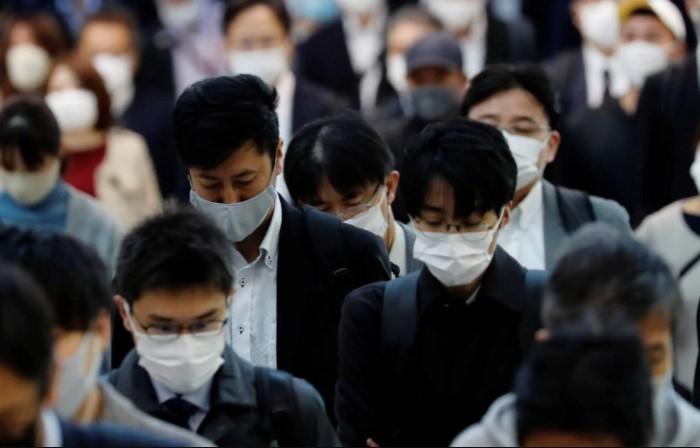 Японцы знамениты своим трудоголизмом, который доводит их до переутомления, а затем и рокового шага / Фото: images.prothomalo.com
