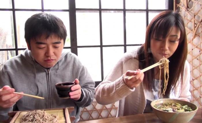 Японские хозяйки и повара воспринимают громкие звуки как комплимент - значит, блюдо очень вкусное / Фото: travel-dom.ru