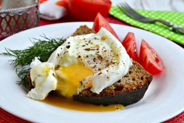 Домашнее яйцо пашот ничем не отличится от ресторанного / Фото: buljon.ru