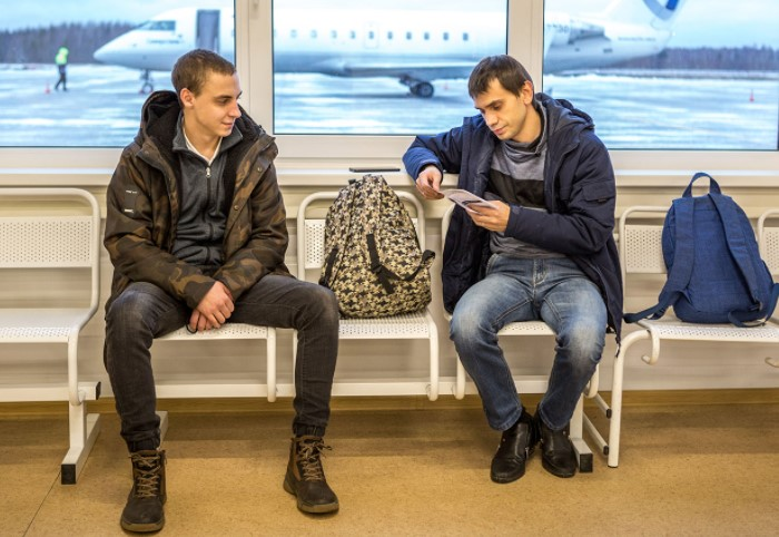 Считается, что в это время людям нечего делать, кроме как ждать посадки, и они склонны тратить деньги / Фото: kareliya.ru