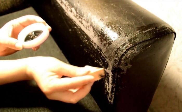 Жидкая кожа - лучший способ замаскировать дефекты на кожзаме / Фото: i.pinimg.com