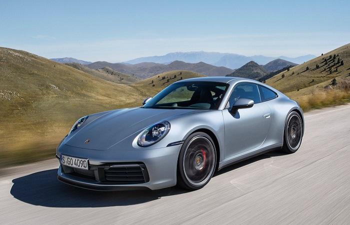 Porsche 911 - спортивный «немец» выше всяких похвал
