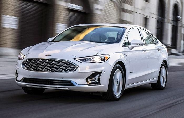 Ford Fusion - практичный субкомпактвэн, который больше не выпускают