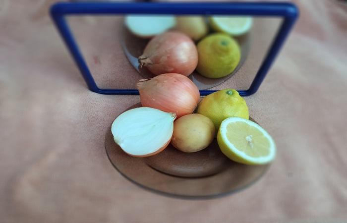 Продукты из холодильника помогут придать блеск зеркалам / Фото: novate.ru