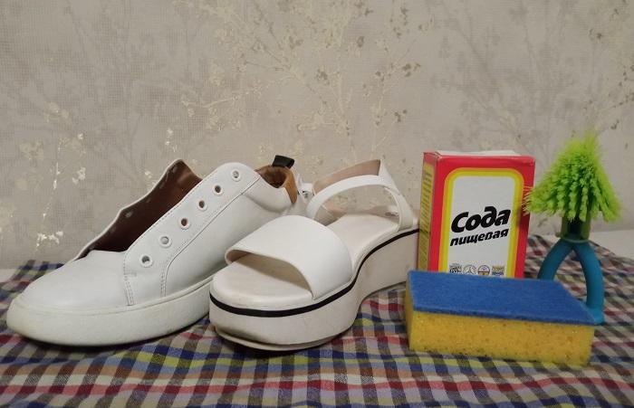 Очистить белую обувь и подошву от грязи поможет сода / Фото: novate.ru
