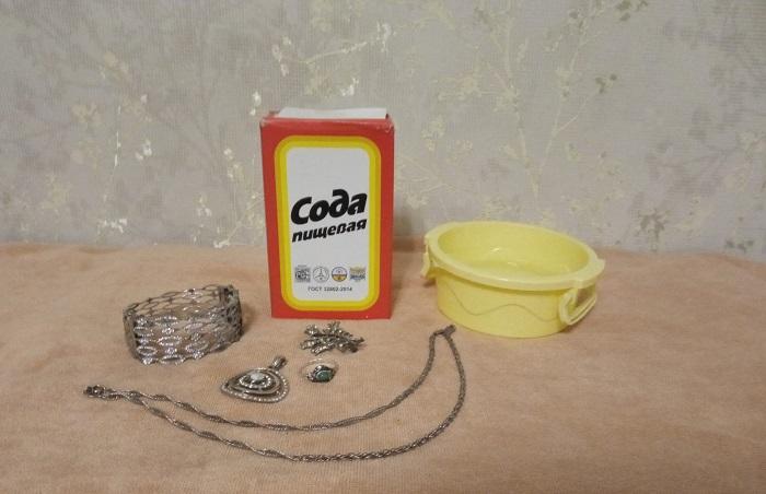 Блеск изделиям из серебра возвращает сода / Фото: novate.ru