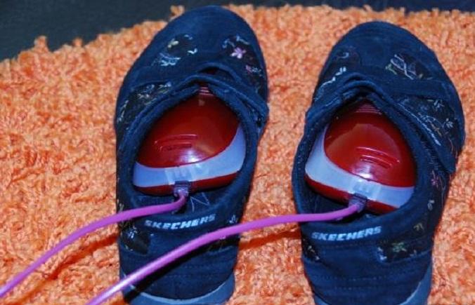 Электросушилки качественно высушивают мокрую обувь / Фото: homester.com