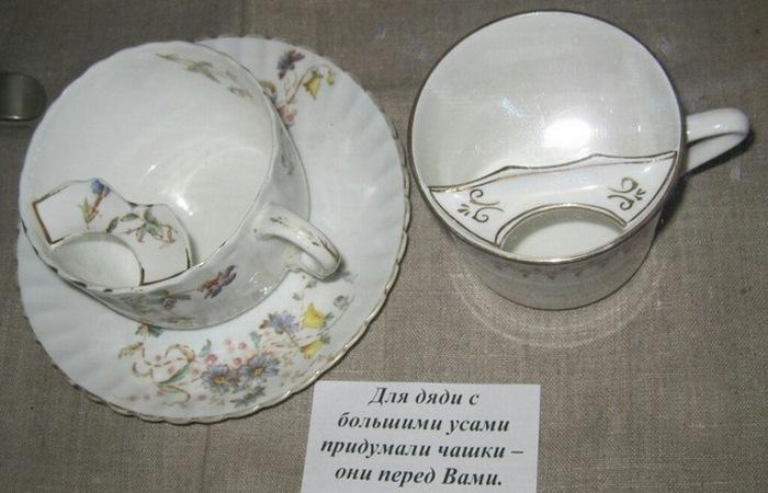 Каждая фабрика и завод выпускали свою версию усатых чашек