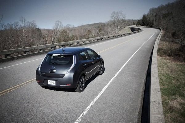 ����� Nissan Leaf � ��� ����� ��������� � ������� �������������