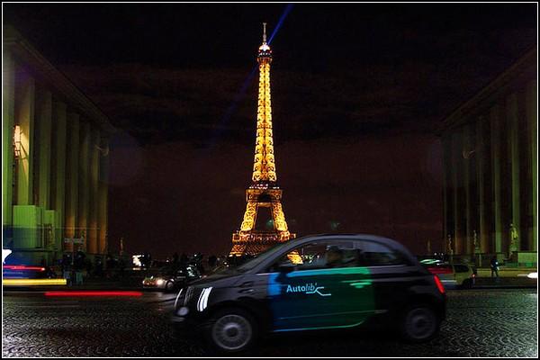 Общественные парижские автомобили Autolib