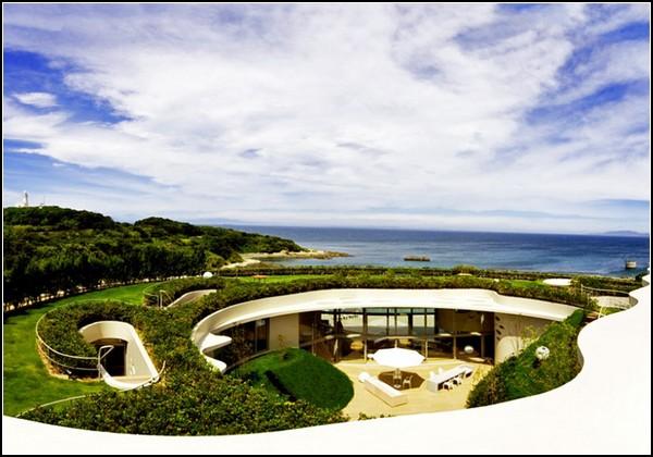 Прибрежная вилла с садом на крыше