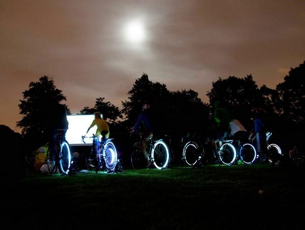 «Зеленый» велосипедный кинотеатр в Лондоне