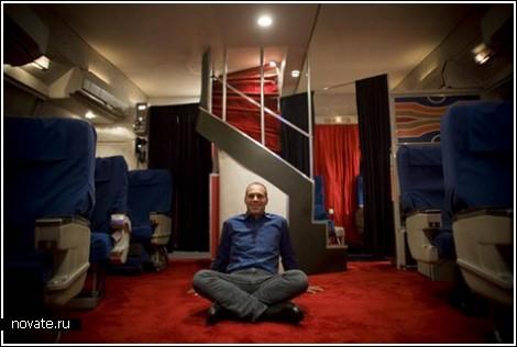 Салон первого класса самолета в гараже