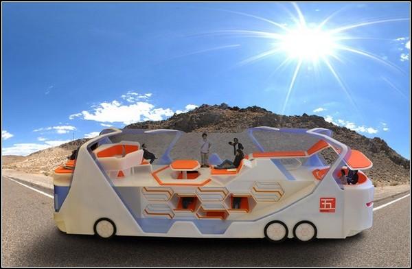 Go!Bus: двухэтажный автобус для путешествий с друзьями